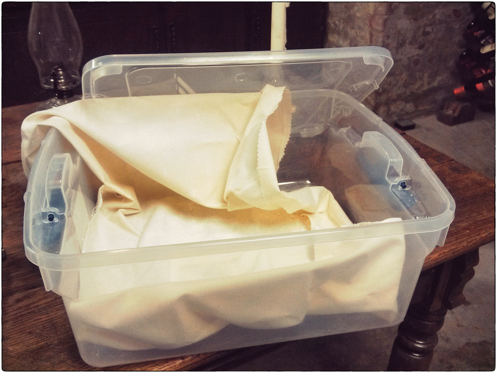 DIY Proofing Box & DIY No-Heat Bread Proofing Box | Offbeat Cook Aboutintivar.Com